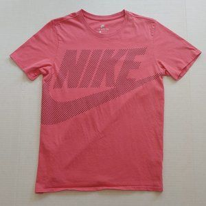 Pink Nike spellout graphic tee